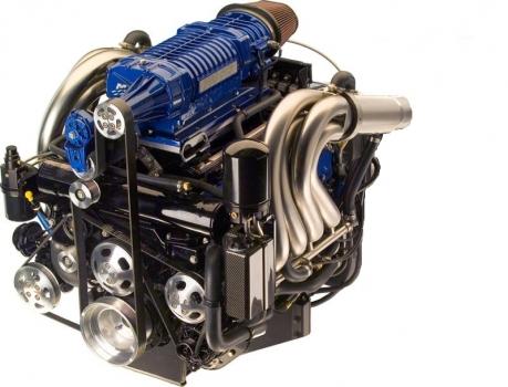 Racing 8.2L GM 502 v8 MERCRUISER